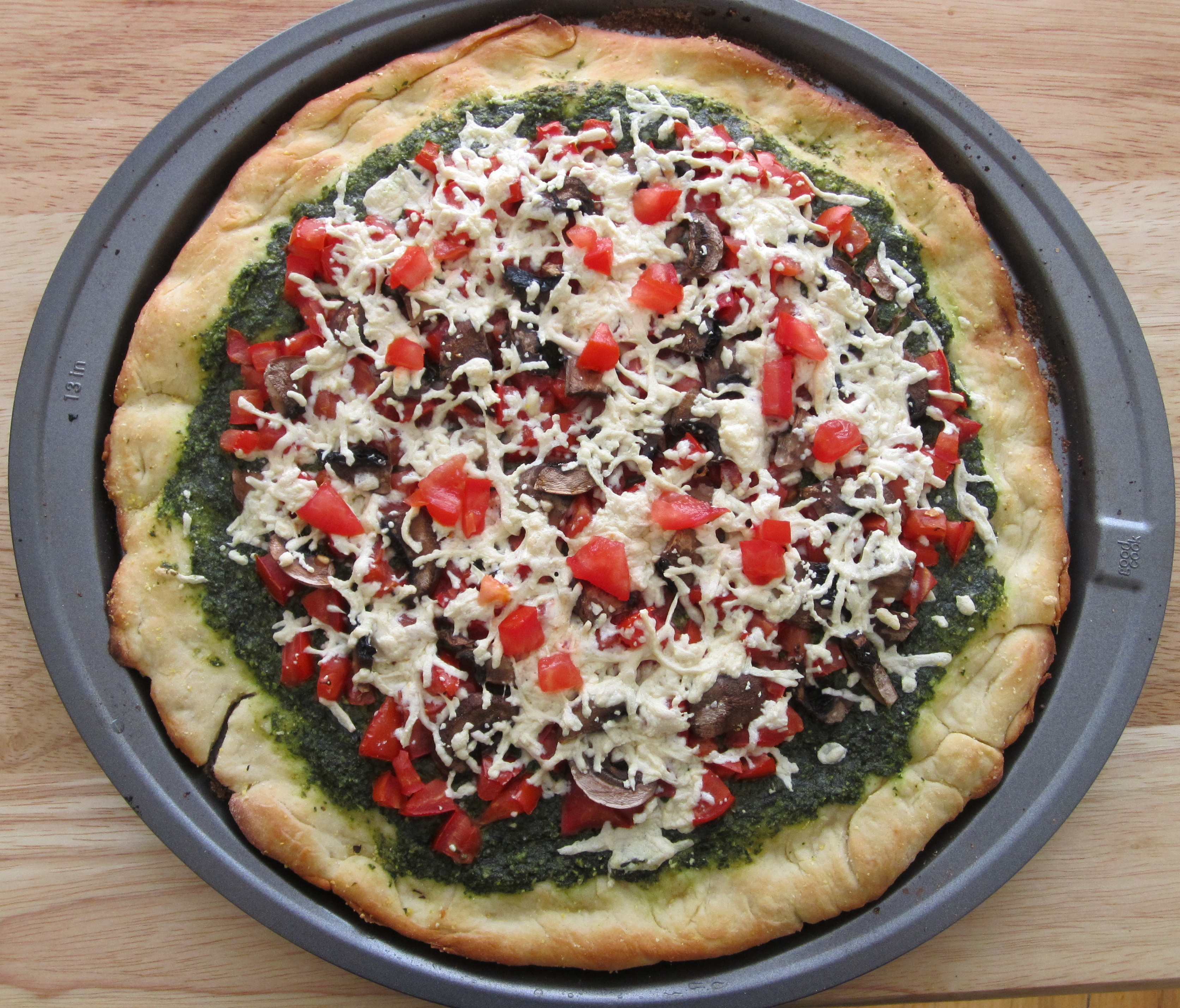 Meat-Free Monday Recipe: Vegan Basil Pesto Pizza | The Opinioness of ...