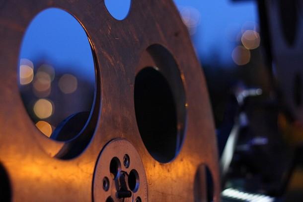 Film projector image by GoMattOlson (http://www.flickr.com/photos/gomattolson/2973273044/) via Flickr