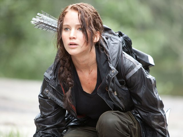 Jennifer Lawrence Hunger Games crouch