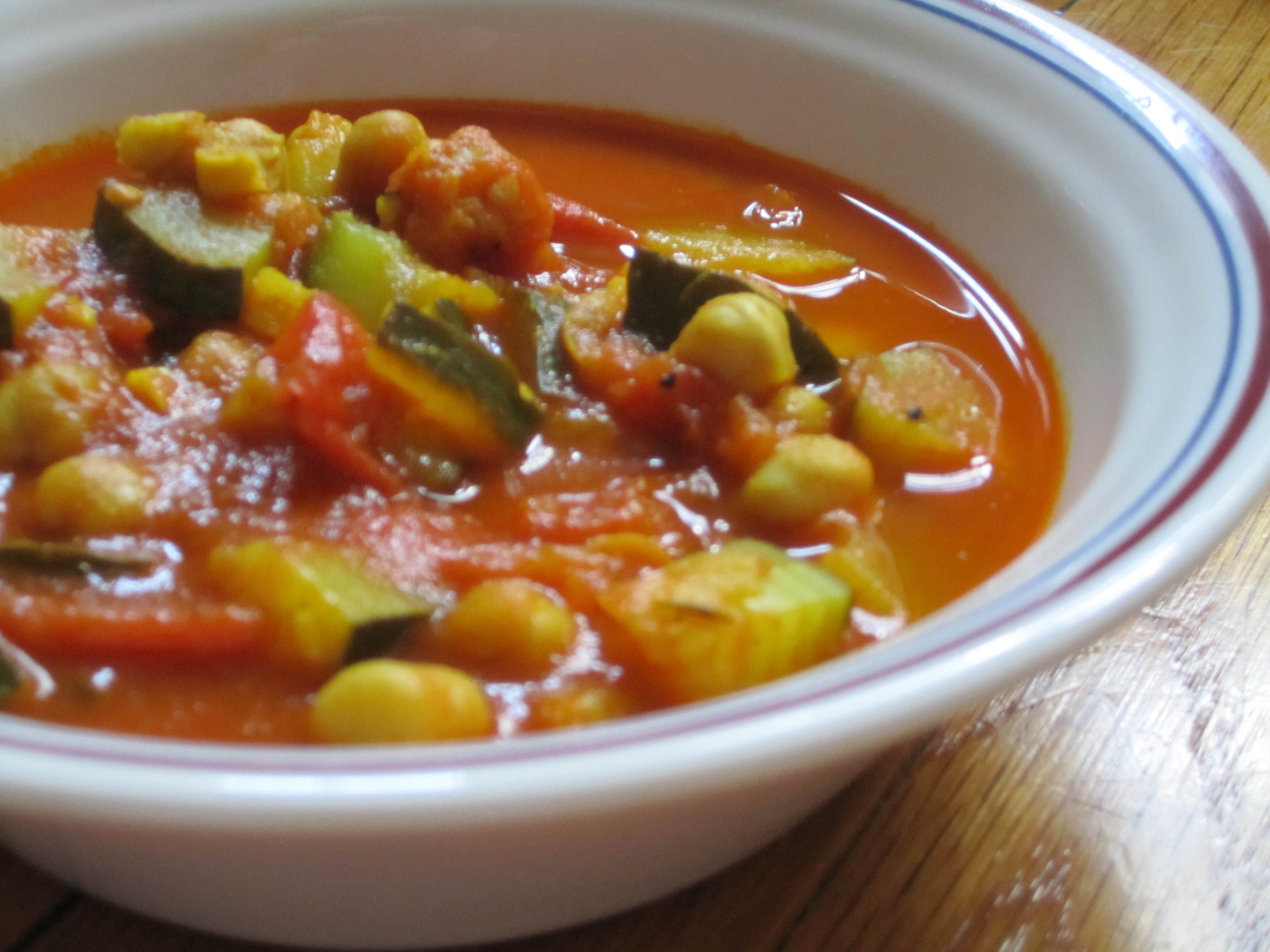 Vegetable stew with zucchini and potatoes 3