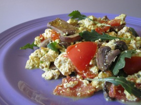 Meat-Free Monday Recipe: Arugula, Mushroom & Tomato Tofu Scramble